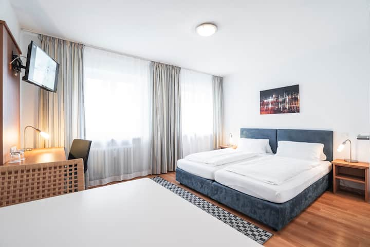 2BR apt Flatista Boutique Hotel at English Garden