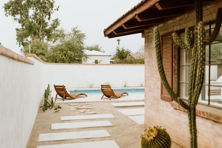 Desert Hues: A Private & Spacious Retreat w/Pool
