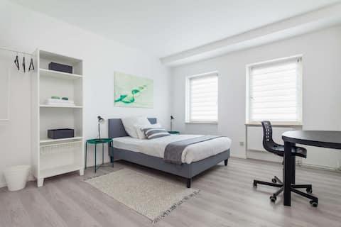 XXL 6 bedrooms with 6 TV plus Garden + 2 parkings