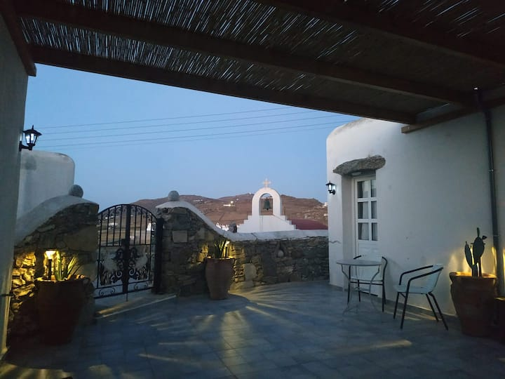 Anna's House with 2 bedrooms in Mykonos Ano Mera