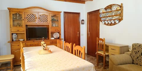 Quiet accommodation with backyard in Lorca