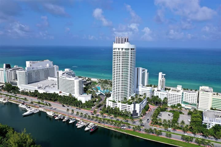 FontaineBleau Resort, High Floor w/ Ocean Views
