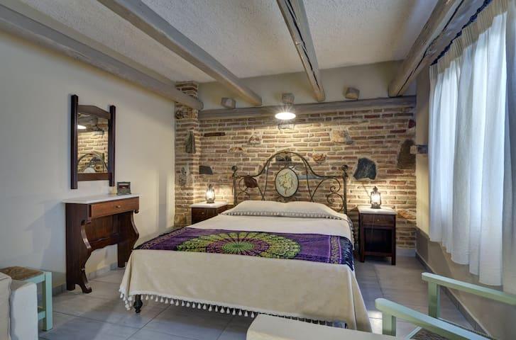 KALYPSO suite bedroom