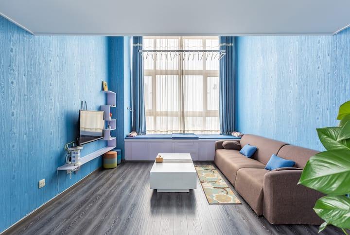 威海HOST——孔雀蓝精品带地暖自助LOFT公寓 威海站韩乐坊复式 海景