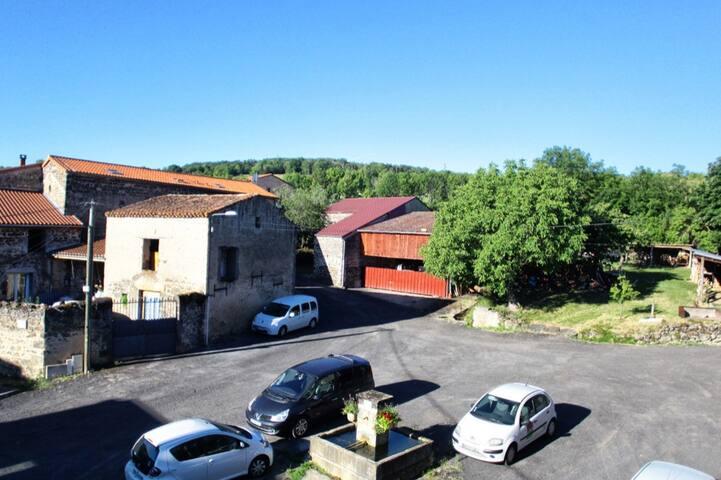 Petite maison de bourg typique du Lembron