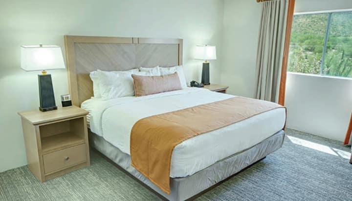 1 Bedroom Suite at Tucson Golf Resort (2)