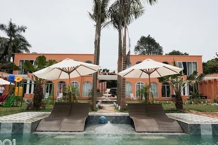 1001 Lakeside Villas Ba Vì  for 18-20pax. Dubai