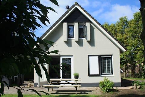 Heerlijk vakantiehuis vlakbij de Waddenzee