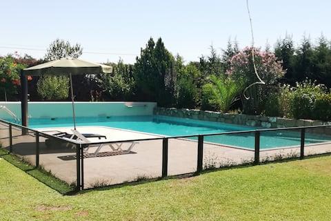 Casa y Jardín con Piscina en Finca La Pastera