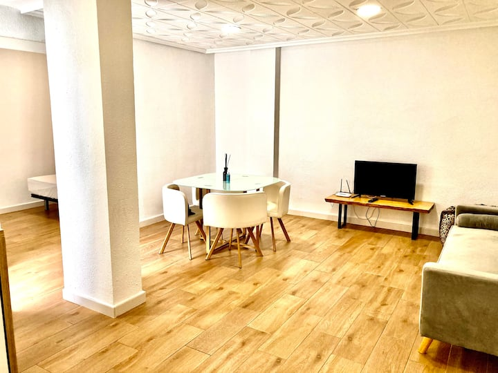 Enriqueta Apartment 3 WI-FI & A/C