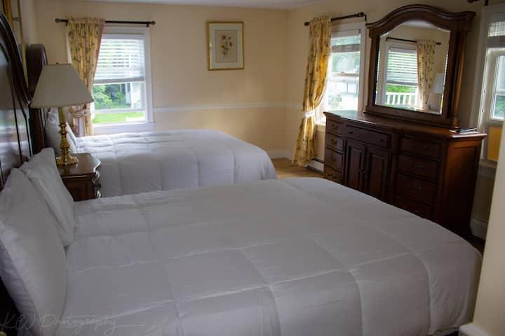 Luxury Suite in Downtown Stowe