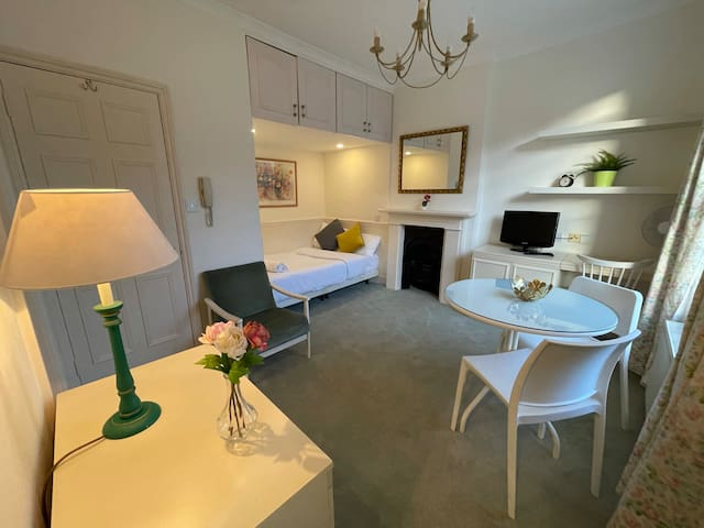Cozy Double Studio 3 min from Hyde Park, Bayswater