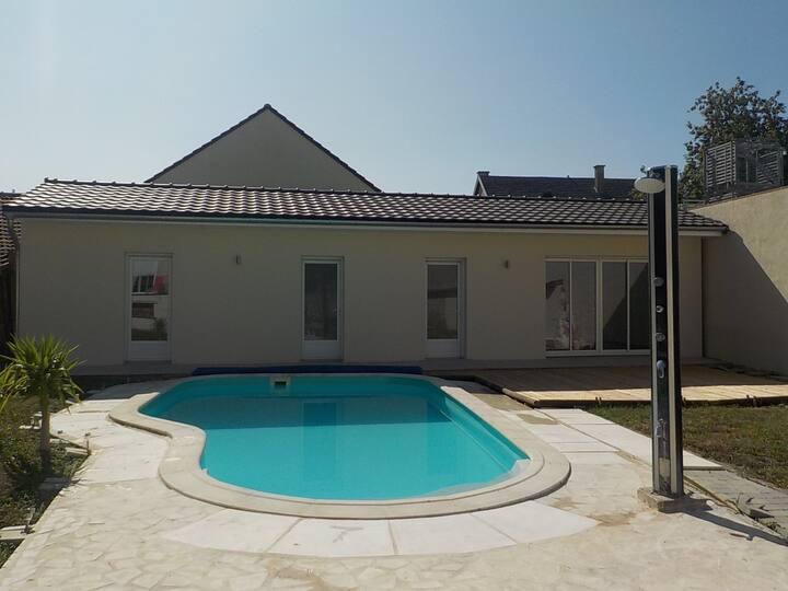 Maisonnette neuve 60m² dépendance terrasse piscine