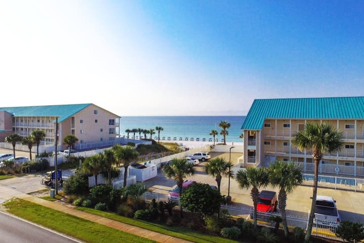 view of other condos and destin beach