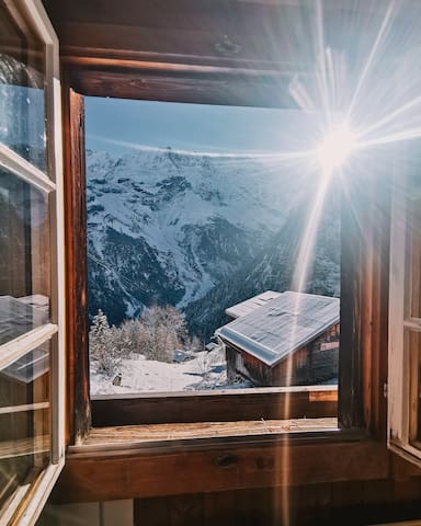 Private Double Room at Mountainhostel Gimmelwald