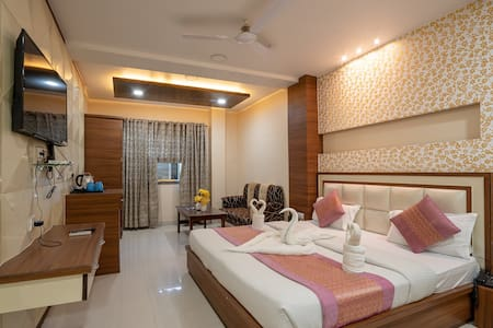 Luxurious AC Room near Railway Station, Gorakhpur