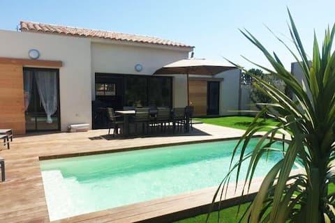 Villa 5***** piscine proche de la plage Cala Rossa