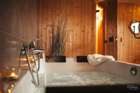 """Malmedy 14 pers. """"Happiness of the Waterfall"""" comfort"""