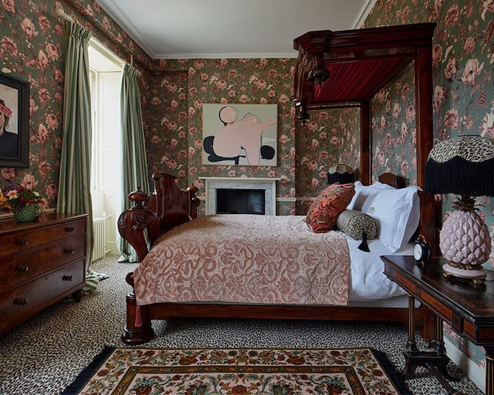 The Artemis Room -Trematon Castle -Bed & Breakfast