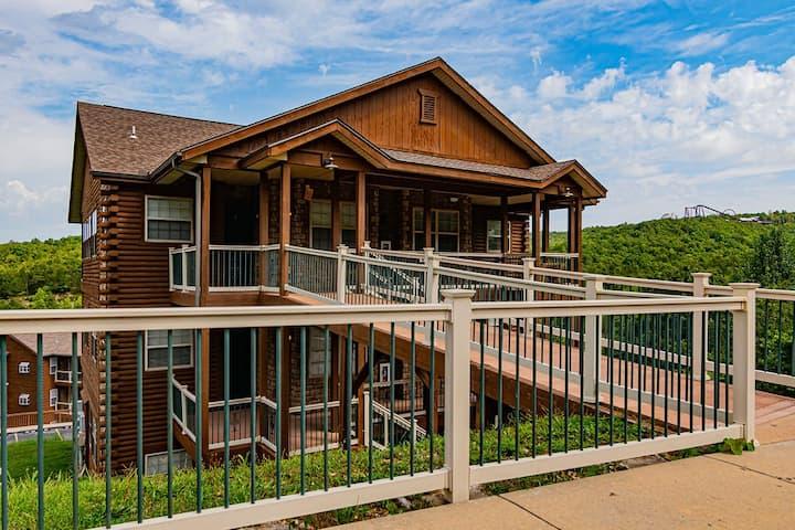 Ozark Mountain Lake Condo - by Silver Dollar City