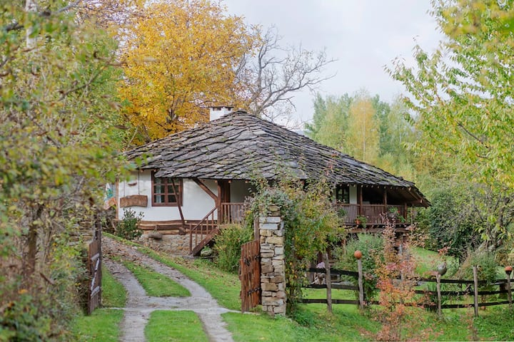 Diadovata Odaia(Дядовата Oдая) - Traditional house