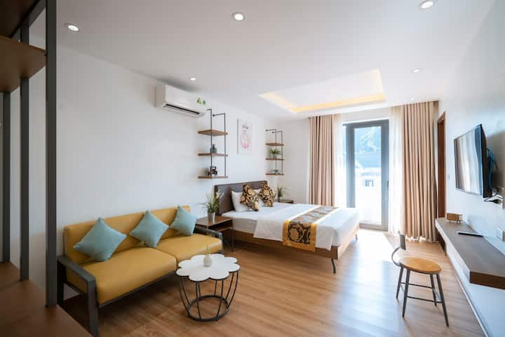 Entire Floor/Two Deluxe Bedrooms in Ha Long Bay