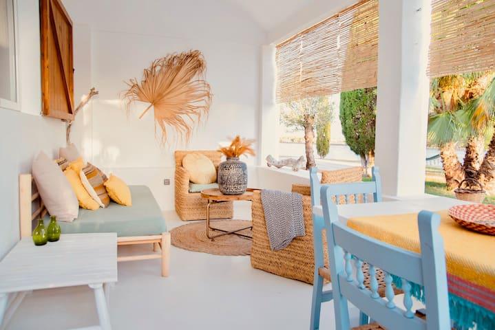 Modern and Stylish - Home / Rural Setting ☀ - ⓺