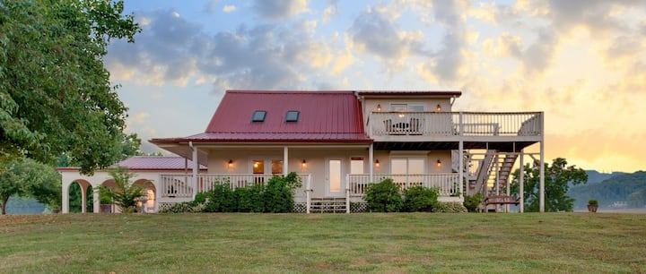 Little River Guesthouse at Tennessee RiverPlace