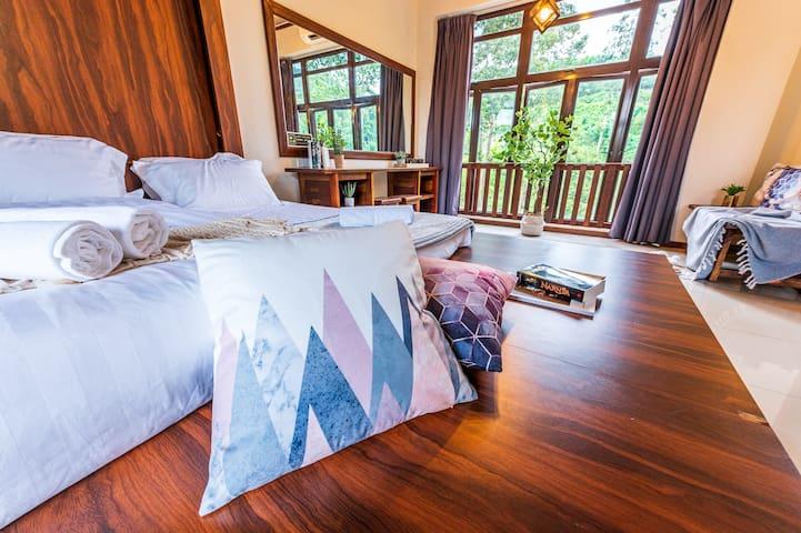Room 13 En Suite