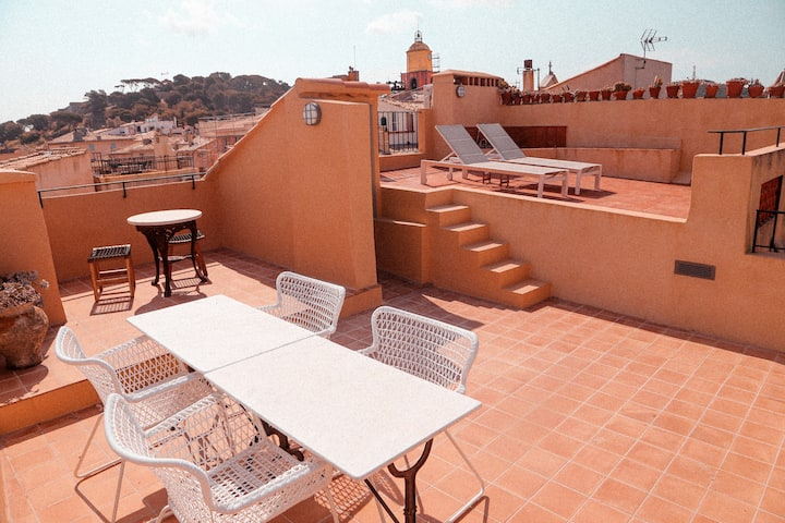 Elegant loft // 360° terrace on St-Tropez harbour