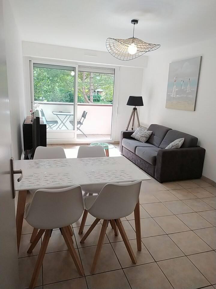 Cabourg: Appartement au calme avec vue sur un parc