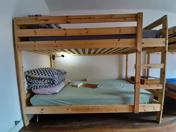 Bunk bed 2 minutes from Temple Bar (male)