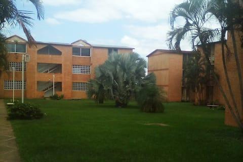 Apartamento amoblado en zona residencial tranquila