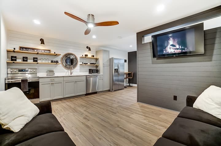 Lake Norman Area Modern Studio Apartment w/ a View