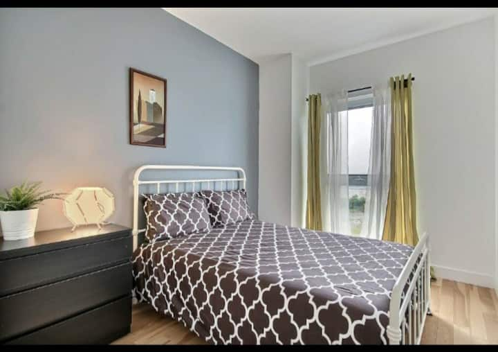 Private Room in new 2019 Condo_Montreal East