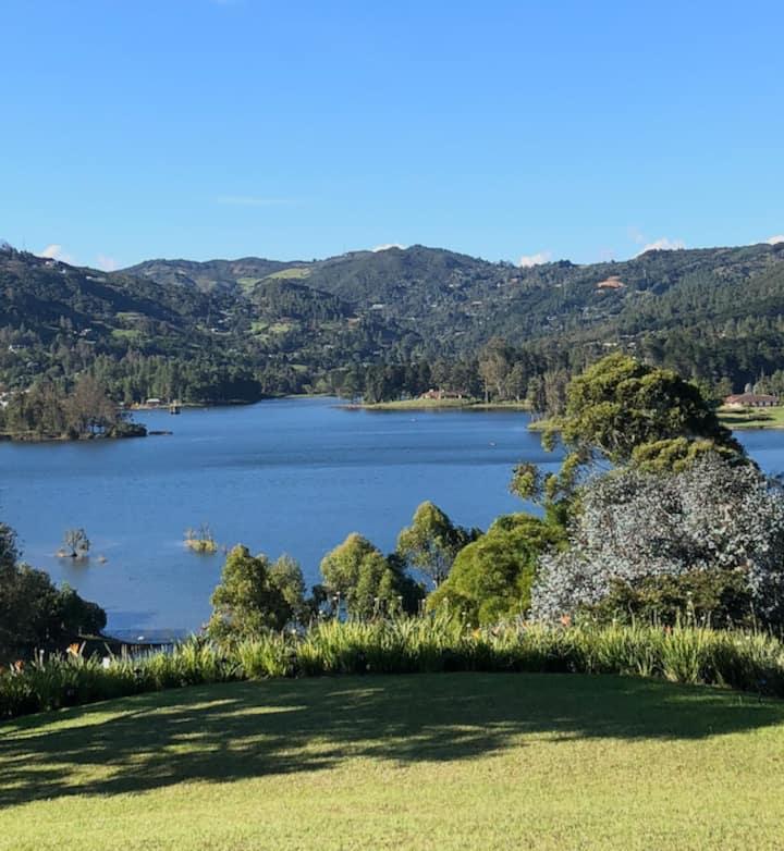 Casa de Lago, con la más hermosa vista.
