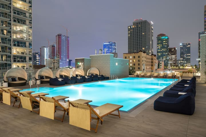 LEVEL ◆ One Bedroom Suite + Balcony