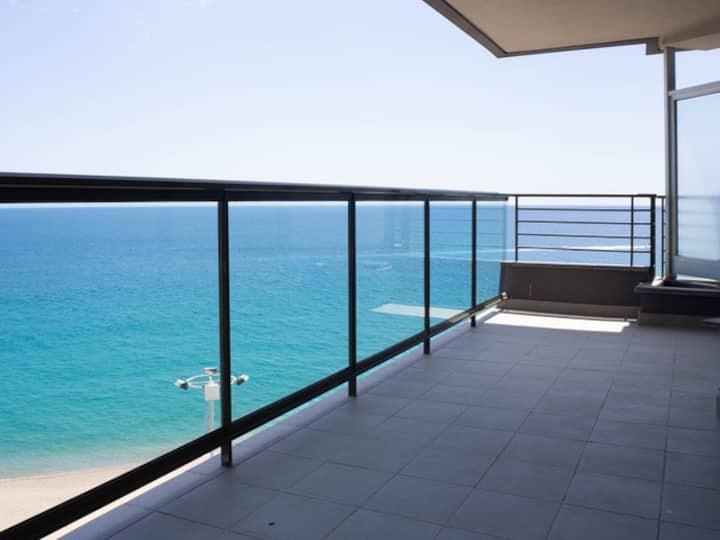 Exclusivo apartamento en primera linea de mar