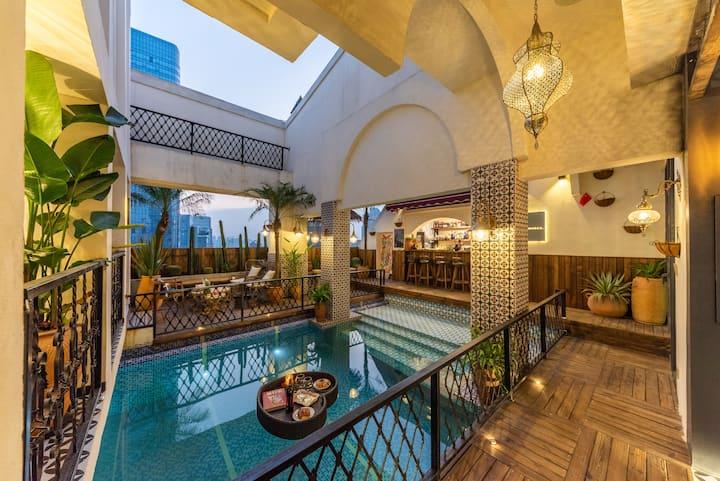 【未艾】摩洛哥异域风情/高空花园泳池别墅/可轰趴聚会提供火锅烤肉酒水