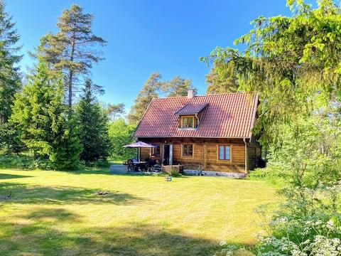 Bulhus i Gothem, havsnära - östra Gotland