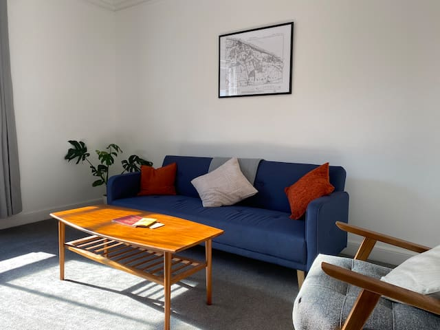 Flat 2 Spacious Cromer Apartment By The Sea
