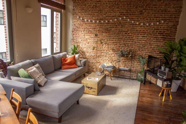 Cozy room in charming duplex