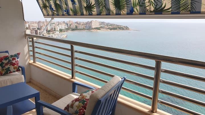 Apartamento en  1ª linea,  vistas frontales al mar