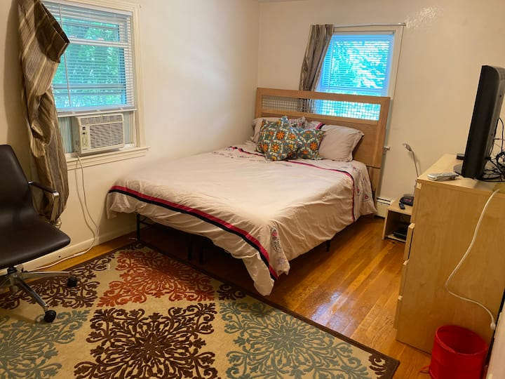 Private Small Double Room (#3) in a great City