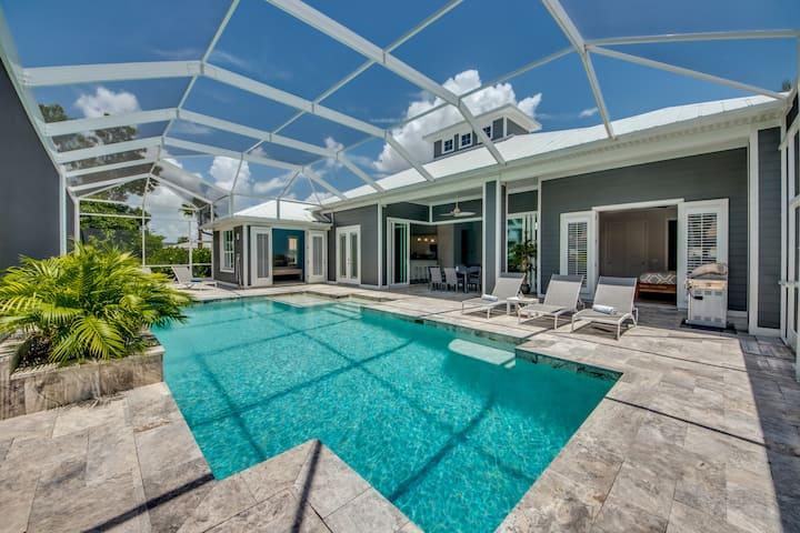 Villa Perfect Life new custom Pool home on water,