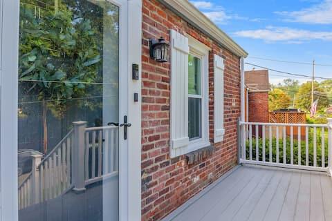 Cozy Home near DT PGH 🐶 friendly + fenced yard!