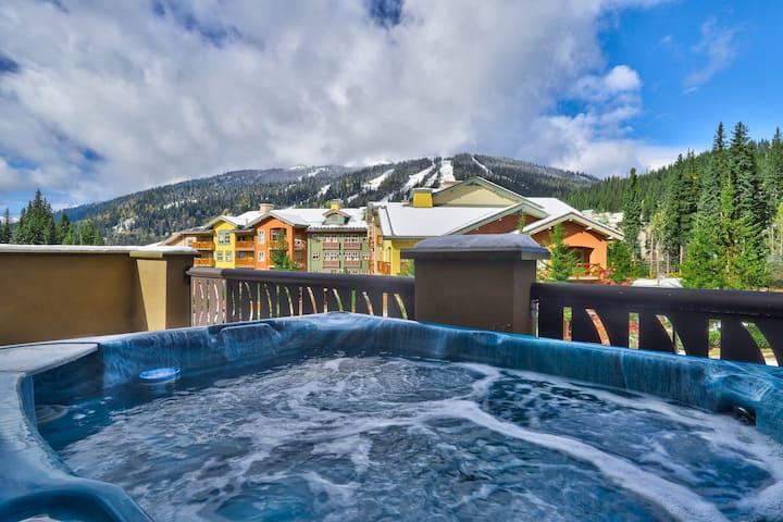 Sun Peaks Luxury Condo with Mountain View Hot Tub