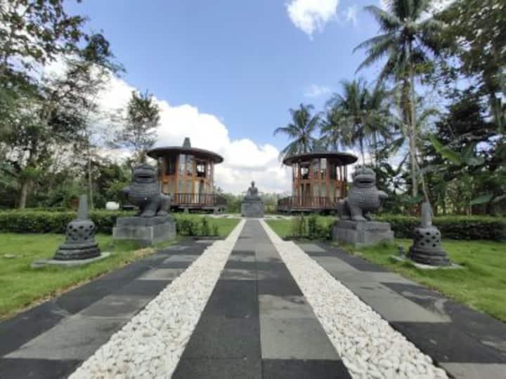 360° Stupa Suite & Garden by Le Temple