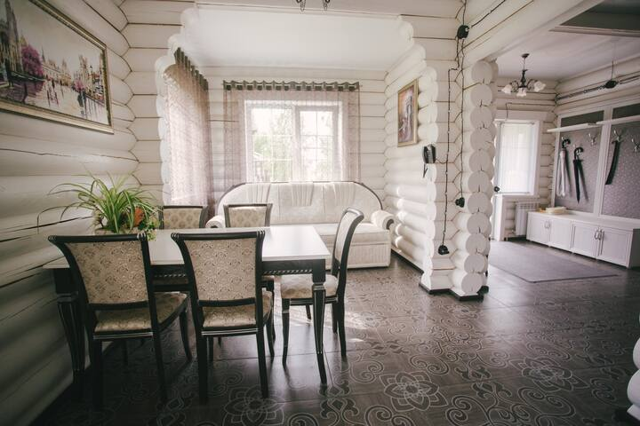 Дом на территории Горьковского моря