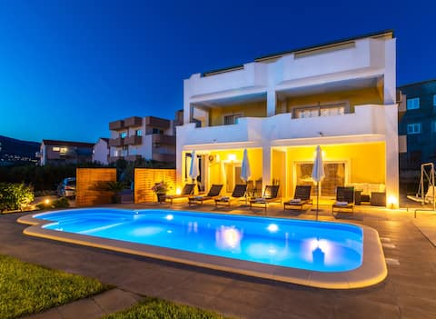 INDIGO feriebolig, privat swimmingpool